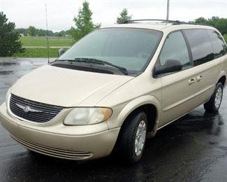 2001 Chrysler Town & Country 4 Door Van LX, V6, 3.3L, FWD, Odometer Reads 206,383, VIN # 2C4GP443X1R219688