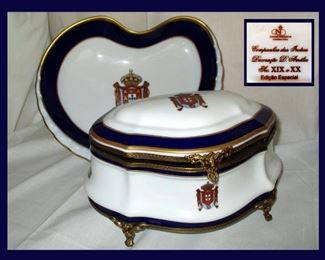 Beautiful Porcelain Family Crest Box and Plate Marked Neoclassica Manufactura