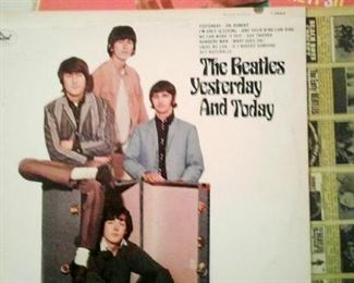 Beatles rare Butcher album, yellow insert & correct back