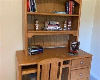 Bookshelf and desk w/chair