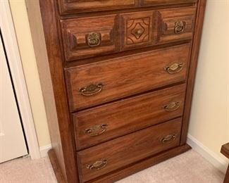 #30		chest of drawers 5 drawers 36x17.5x50	$75