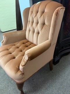 wing back chair - excellent condition