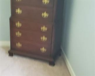 Tom beautiful mahogany chest