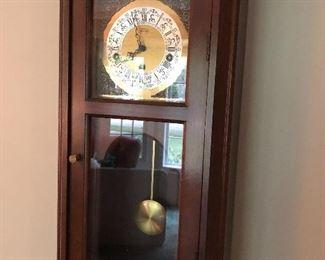 Wall clock - many more clocks available
