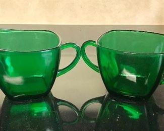Vintage Anchor Hocking emerald green glass cream and sugar set