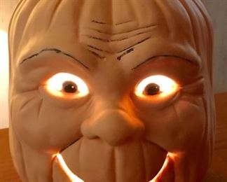 Ceramic light-up pumpkin