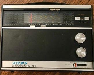 Vintage Audiovox 5 way radio