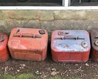 Outboard boat fuel tanks