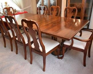 DINING TABLE W/2 LEAFS & 8 CHAIRS