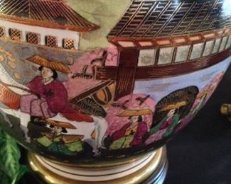 Frederick Cooper lamp with beautiful colors and details