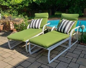Pair of chaise lounges