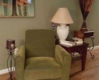 edB 1 green chair