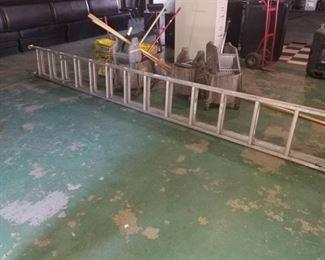 30 ft Aluminum Extension Ladder