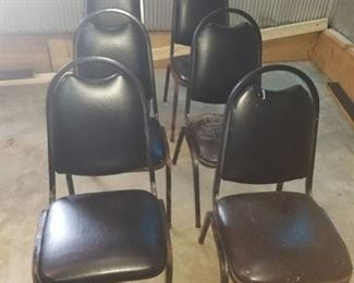 6 Stackable Chairs