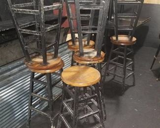 9 Bar Stools