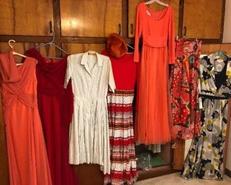 AMAZING VINTAGE CLOTHES