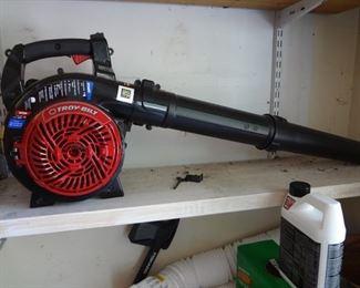 Troy-Bilt Gas Blower