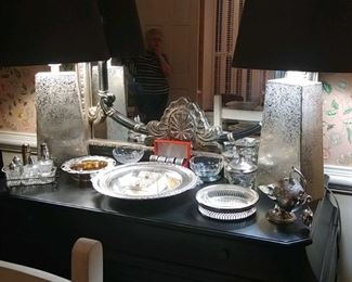 beautiful bombay chest with decorative mirror and lamps