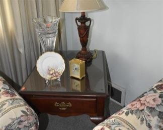 Bernhardt End Table, Lamp, Vase, Hand Painted Dish