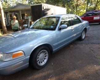 2002 Ford Crown Vic - 56,000 miles!!!!!!