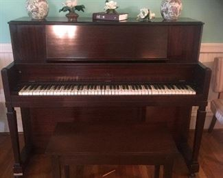 CABLE PIANO w/ Bench