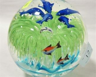 AQUARIUM ART GLASS PAPER WEIGHT.  PROBABLY ITALIAN