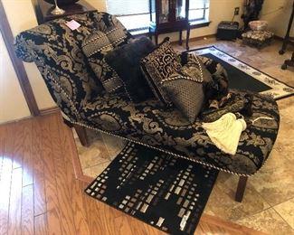 Fainting sofa