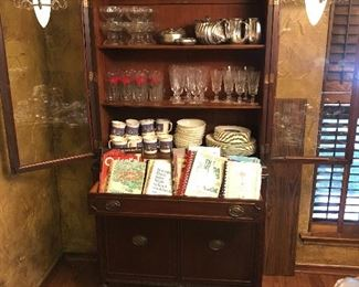 Antique mahogany Duncan Phyfe China Cabinet