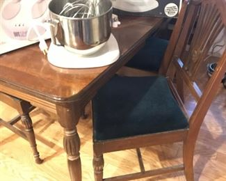Kitchen/Dining room table w/6 chairs (Matches serving board and china cabinet)