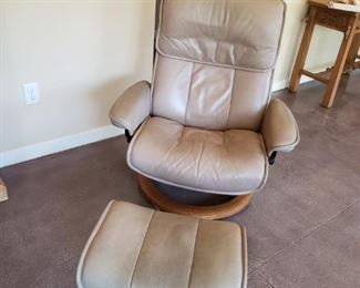 Yes, there are two Ekornes Danish Stressless Chairs