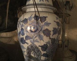 Antique china urn vase