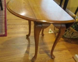 drop leaf table, small end table