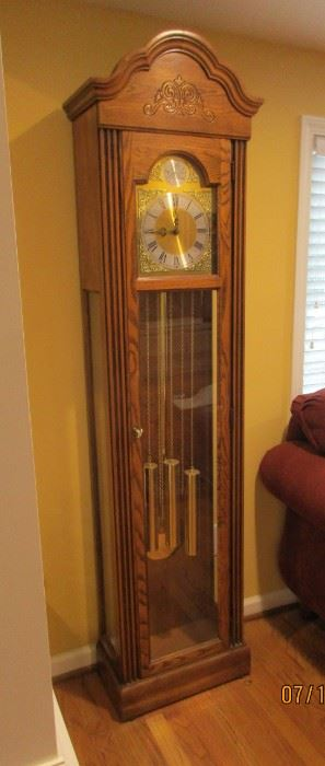 Howard Miller tall clock, grandfather clock, works well