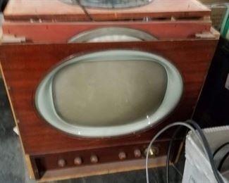 Vintage tube TV with all tubes & speaker