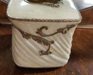 Vintage kleenex holder