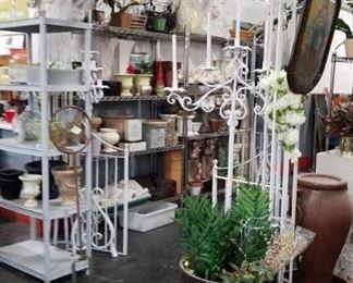 Assorted garden & planters, vases & decor