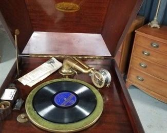 Brunswick victrola with owners manual (works )