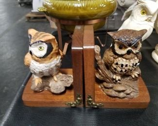 Ceramic painted owl book ends