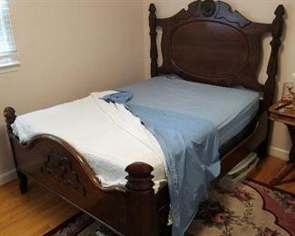 Vintage full bed - SOLID!