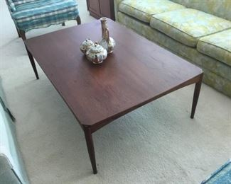 Large MCM Coffee Table (W=47-1/4in. x D=32in x H=15-1/2in)