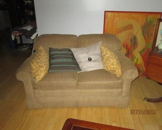 2 seater couch part of 3 piece suite