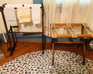 quilt rack with linens and luggage rack,