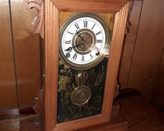 Wooden Works Clock made in between 1822-1835 Ephraim Downs in Bristol Connecticut