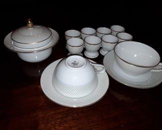 Seltman Weiden Bavaria Porcelain Set