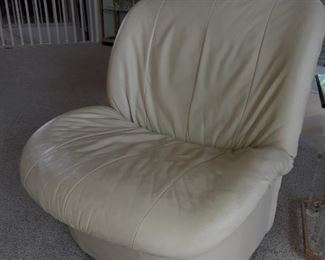 Pair of fabulous creamy white leather chairs,