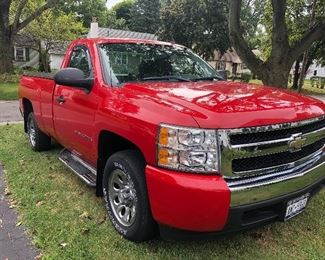 2008 CHEVROLET SILVERADO 1500 V6 4.3 Liter 2WD One owner  ONLY 26,661 miles! Runs perfect