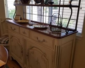 Ethan Allen side cabinet buffet. Country charm style.