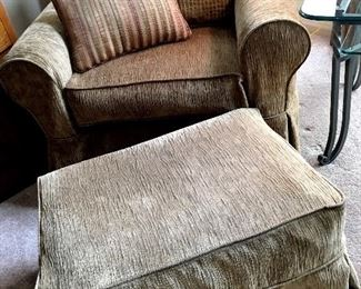 A SUPER Comfy Arm Chair and Ottoman...