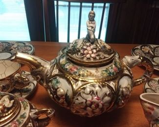 Capodimonte china tea pot