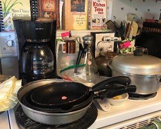 cookbooks, kitchen items